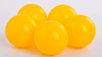 Ball-pool balls YELLOW color